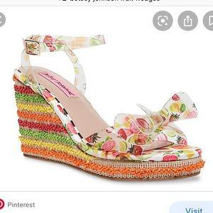 Betsy Johnson Elektra Fruit Wedge Sandals Size 9